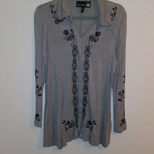 Antthony Tunic Top v-neck embroidered